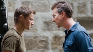 jeremy renner and ed norton bourne