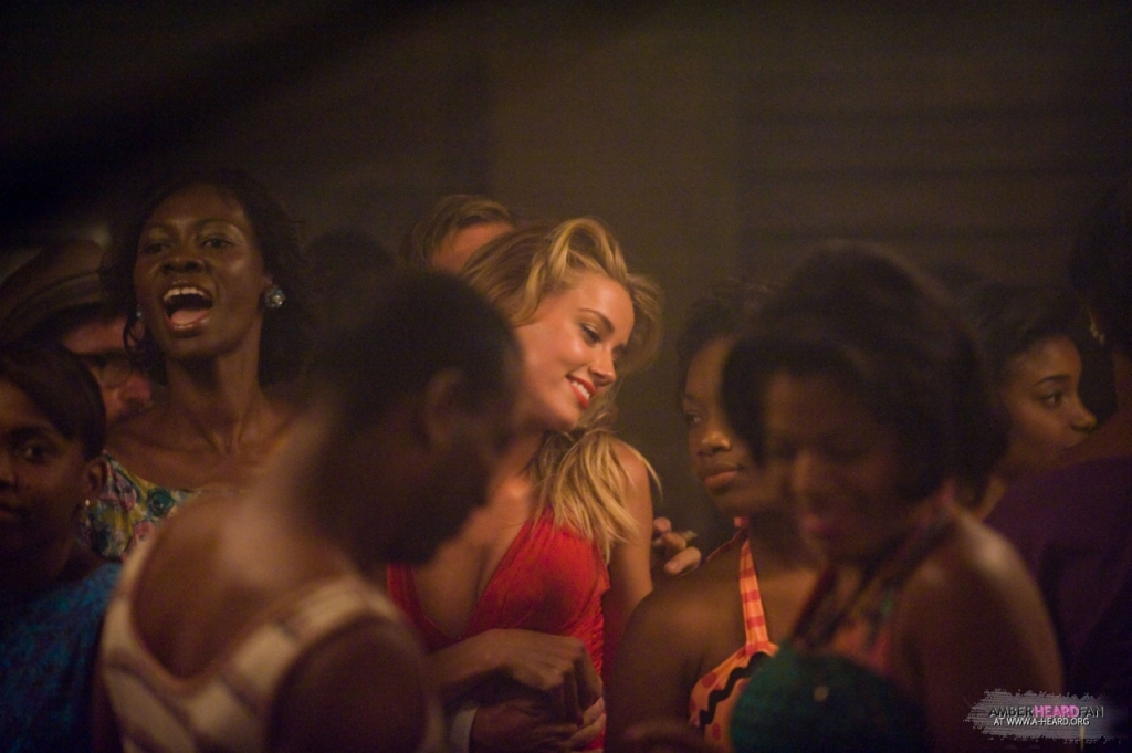 The-Rum-Diary-New-Stills-amber-heard-28112156-1280-852
